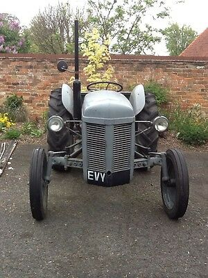 Grey Ferguson Tractor TE20 RE LISTED DUE TO TIME WASTER. REDUCED TO £1400.00.