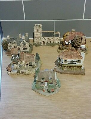 Lilliput lane collection of cottages and churches