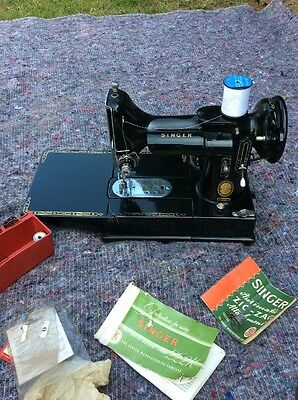 Cased Vintage Singer 222K Featherweight Sewing Machine And Accesories