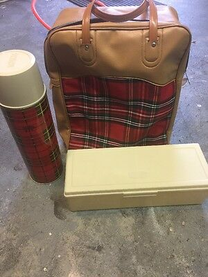Vintage 1973 King-Seeley THERMOS Vacuum Bottle No 2442 Red Plaid EXCELLENT