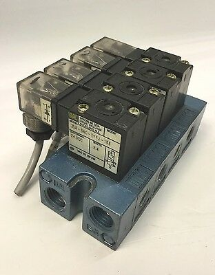 Bank of 4 MAC 35A-SAC-DFFL-1KE Solenoid Valves 2-Position 3-Way 24VDC 1/8NPT NC