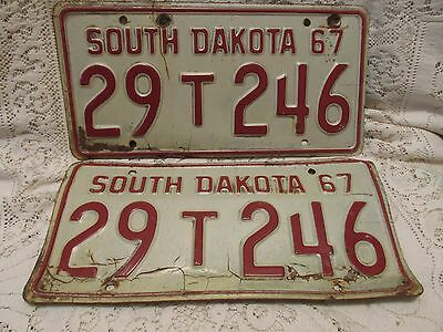 Two Vintage South Dakota 1967 License Plates To Be Restored - 29T246