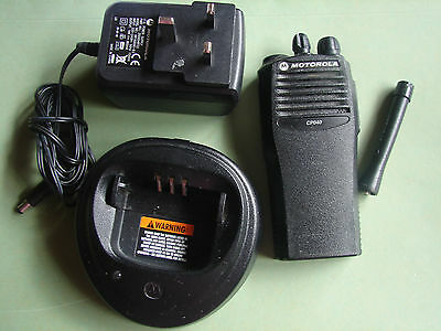 Motorola CP040  Four Channel UHF Pmr 438 - 470 MHz With New 2000mAH Battery