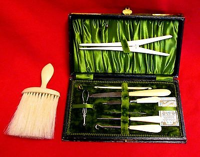1930s vintage Sewing Kit with 9 Pieces Plus Matching Brush wolu4