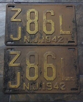 Pair Vintage 1942 Gloucester County New Jersey NJ License Plates ZJ 86L WWII