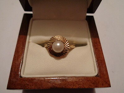 9ct gold pearl ring size Q UK hallmarks