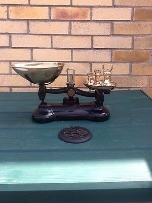 Vintage Scale With 7 Brass Weights
