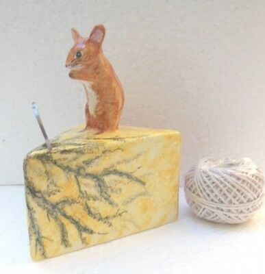 Babbacombe Pottery -- STRING DISPENSER  - Mouse on Stilton cheese Brown