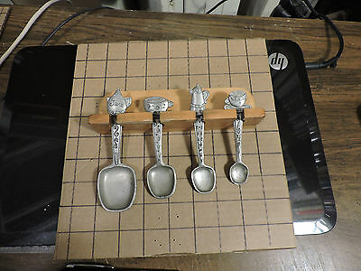 Set of 4 1996 Seagull Pewter Canada Teapot & Cups Measuring Spoons + Wooden Rack