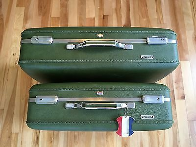 "Vintage American Tourister Luggage Set - 2 Suitcases 24"" & 21"" Retro Green w Key"