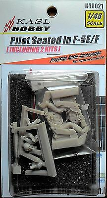 KASL Hobby 1/48 Pilot Seated In F-5E/F two resin Figures