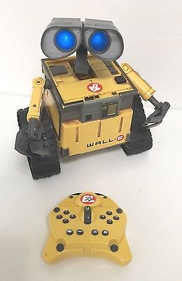 Superb Wall E Dancing Talking Robot + Remote Control Lights Sound See Video