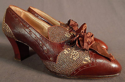 Vintage 1940s Two Tone Brown Lizard Print Leather Laceup Womens Dress Shoe Pumps