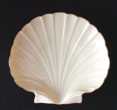 "Lenox China AEGEAN COLLECTION Ivory w/ 24K Gold Trim Sea Shell Shaped Dish 7"" W"