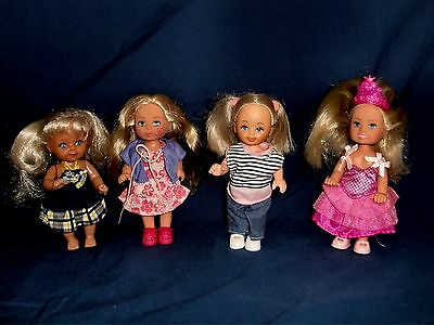 Barbie's Shelly / Kelly Dolls x 4 With Clothes & Shoes.