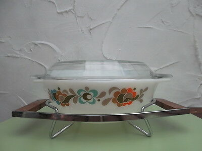 Vintage Pyrex jaj Carnaby Tempo Casserole dish with stand & 2 lids.