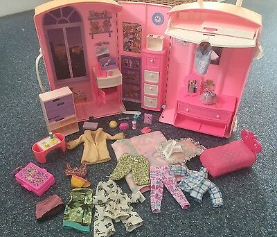 Vintage Pink Barbie Suitcase Trolley Case  Bedroom Loads of Accessories