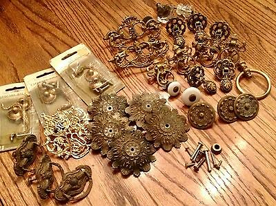 Lot: Antique and Old Drawer pulls, handles, knobs