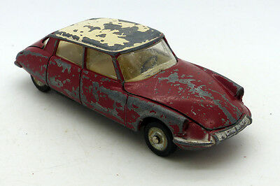 Dinky Toys  - Citroen Ds 19 Ref 64 - Meccano Made In France - Vintage Car