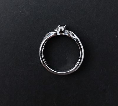 *Cute* Women's Sterling Silver 925 Diamond Chip Ring Size 7