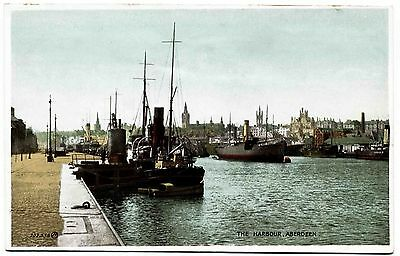EARLY POSTCARD . A BUSY ABERDEEN HARBOUR . SCOTLAND . c1927