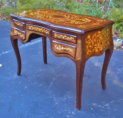 STUNNING ornate marquetry French Louis XV style desk
