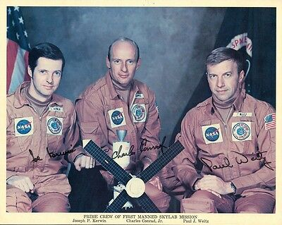 PRIME CREW OF FIRST MANNED SKYLAB MISSION Signed Original NASA Photo - Autopen