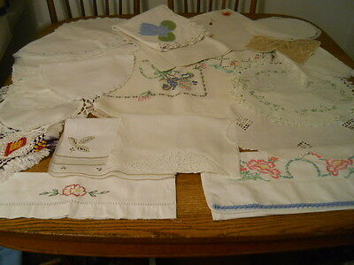Lot 6 1/2 Pounds Cutter Craft Table Runners Pillowcases Linens Towels Doilies