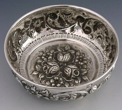 BEAUTIFUL CONTINENTAL 900 SOLID SILVER EMBOSSED BOWL c1920 ANTIQUE HEAVY 153g