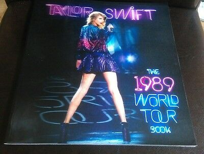 Taylor Swift The 1989 World Tour Book And 4 Lithograph Photos *excellent!