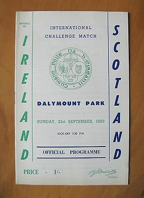 REPUBLIC OF IRELAND EIRE v SCOTLAND 1969 Excellent Condition Football Programme
