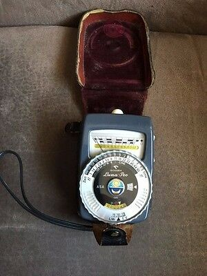 Vintage GOSSEN Luna-Pro Light Meter and Case, West Germany - GREAT CONDITION