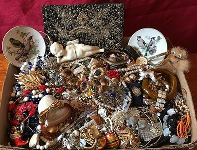 Costume Jewelry Lot 10 LBS Vintage New Repair Wear Signed Gold Silver #9
