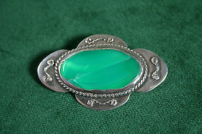 Antique Arts and Crafts Silver Brooch with Green Paste Stone (26)