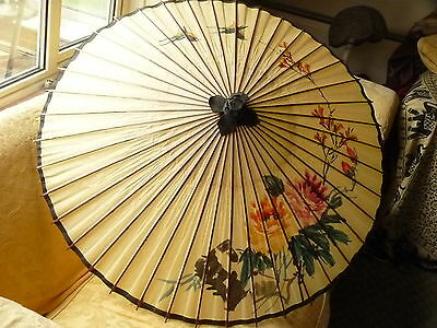 Pretty Decorative Vintage Chinese Parasol Bird & Floral Design Nice Condition