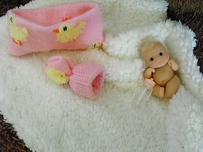 OOAK   miniature sculpt 4.5 cm polymer clay    Baby  doll +CHICK CRIB by Carol