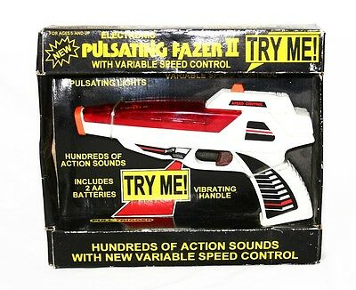 Vintage 1990   BATTERY OPPERATED PULSATING Space FAZER II TOY GUN