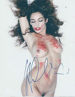 *signed*  Kelly Brook - 10X8 Photo  (Glamour Model)  Autographed