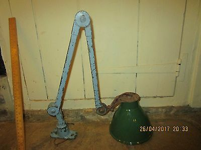 Vintage /Retro mid 20th C. industrial Lamp / Machinists Lamp with enamel shade