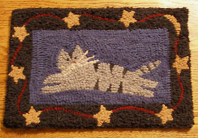 CAT WITH STARS BORDER Primitive Rug Hooking kit with #8 cut wool strips