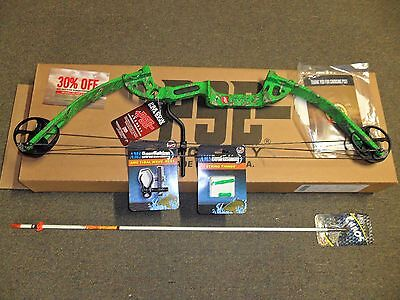 New PSE Discovery Bowfishing 30-40# RH GREEN with Fingertings,Rest,Arrow
