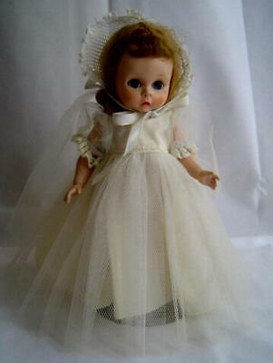 Vintage 1953 Wendy Kins Strung SLNW in 1953 Bride Outfit