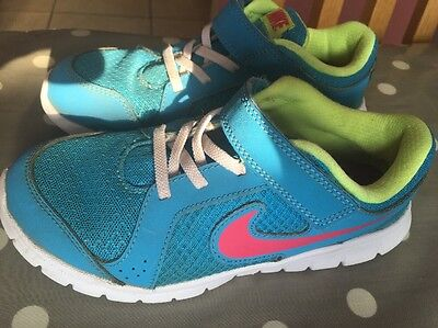 Girls Nike Trainers Size 13.5uk