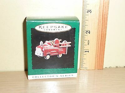 1996 Hallmark Miniature Ornament ~ Miniature Murray Fire Truck