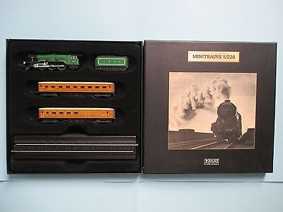 Flying Scotsman 2 Teak Coaches and Display Track Boxed By Atlas Editions