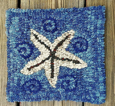 STAR FISH  Primitive Rug Hooking KIT WITH #8 CUT WOOL STRIPS