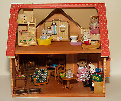 Sylvanian Families Little Furnished House And Animals