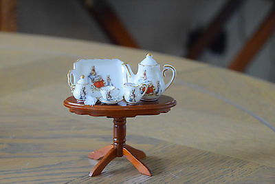 Dolls House Reutter Porzellan Beatrix Potter Peter Rabbit Tea Set On A Tea Table