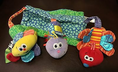 Infantino Magnetized Car Seat / Mobil Attachment Rattle Plush Bugs