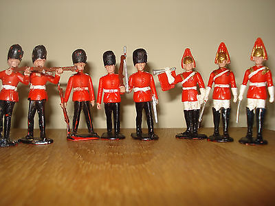 Crescent Scots Guards And Life Guards 1/32 - Nice Set - Good Condition
